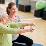 combata la osteoporosis con fisioterapia